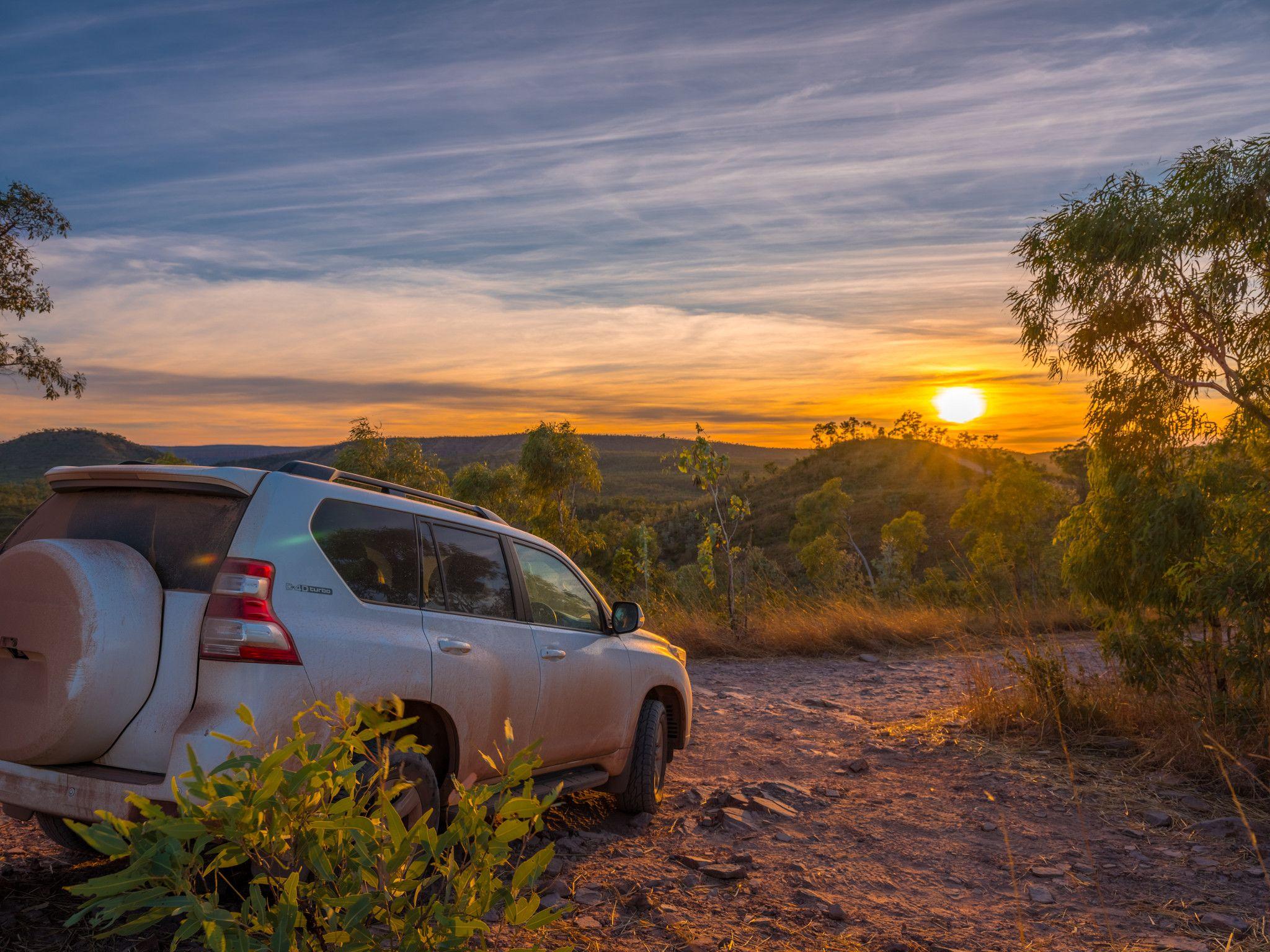 4 wheel driving saddleback ridge australia