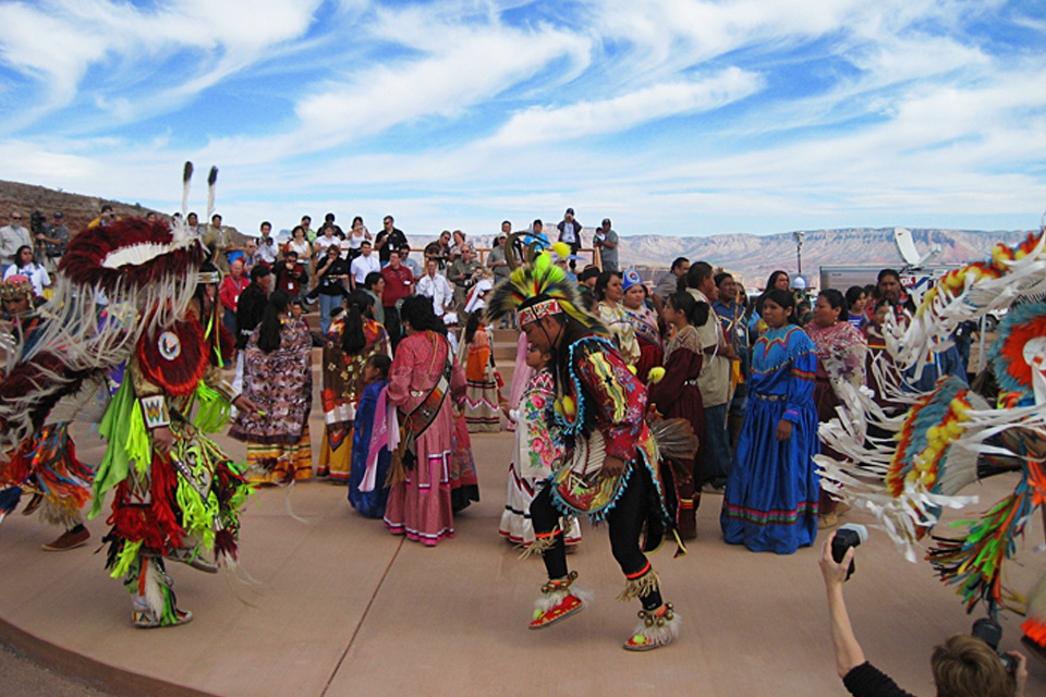 5 Star Grand Canyon Helicopter Tours haulapai indian ceremony