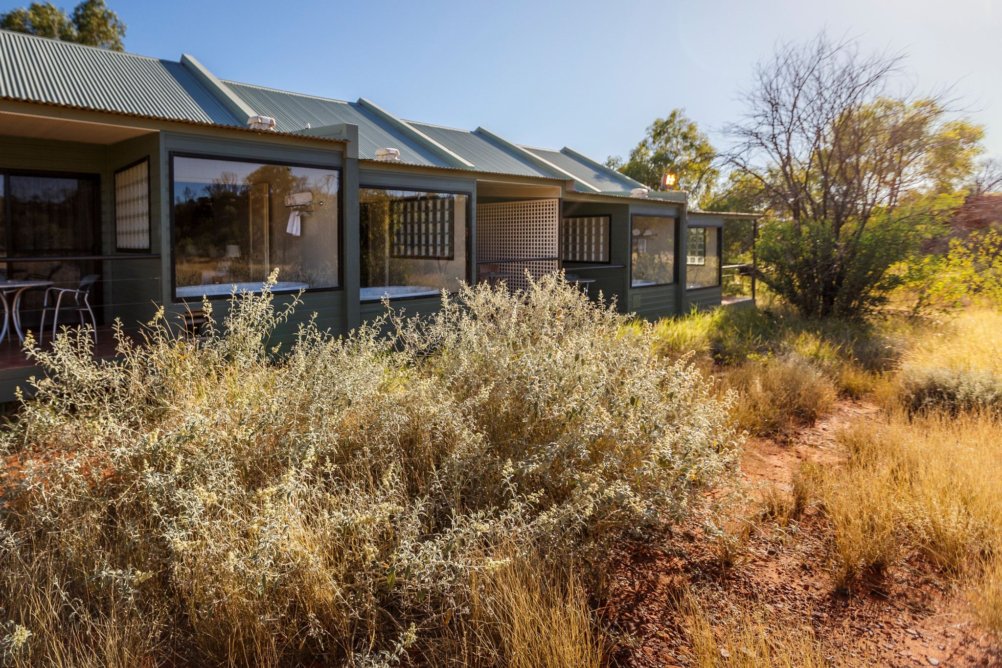 kings canyon australia delux spa room exterior